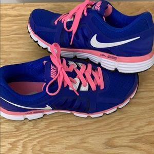 Women's Nike Dual Fusion ST2 Shoe